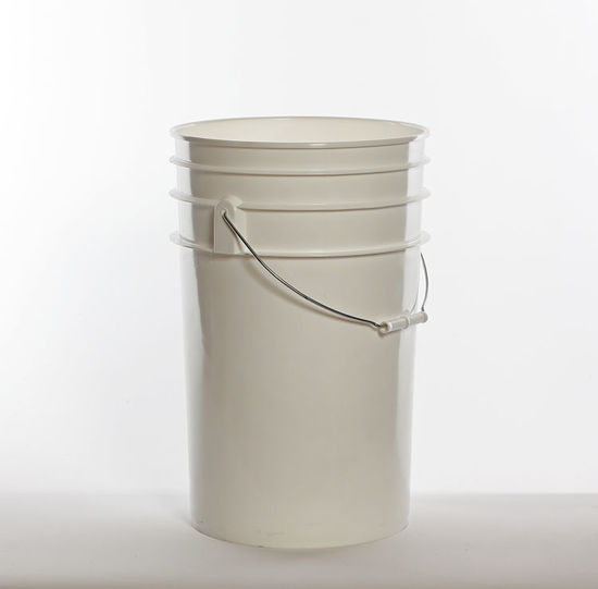 Picture of 6.5 Gallon White HDPE Open Head Pail, 1H2/Y27/S